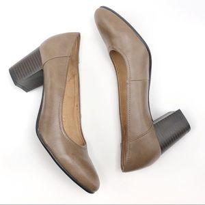 Naturalizer Taupe Neema Block Heels Size 6